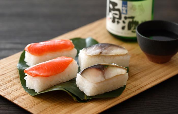 不動の人気の鯖と鮭。ハレの日にオススメのごちそう寿司です♪
